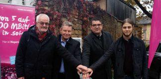 v.l.: Werner Klein, Hans-Dieter Schneider, Jürgen Wolf und Markus Gund (Telekom) (Foto: Gemeindeverwaltung Mutterstadt)