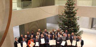 Gruppenbild von der Förderbescheidübergabe (Foto: Ministerium für Inneres, Digitalisierung und Migration)