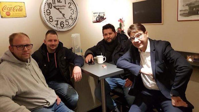 Oberbürgermeister Thomas Hirsch (r.) mit Thomas Styner, Mike Steinert und Denis Baumann (v.l.n.r.) beim Besuch des um- und ausgebauten Horst-Kiosks. (Foto: Stadt Landau in der Pfalz)
