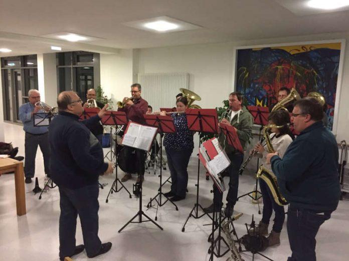 Die BCH Bloos Band beim Auftritt im Krankenhaus Buchen (Foto: Landratsamt Neckar-Odenwald-Kreis)