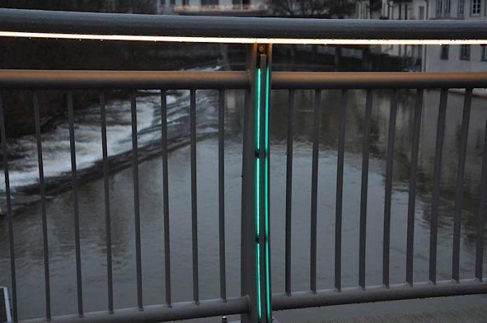 Beleuchtetes Brückengeländer (Foto: Stadtverwaltung Bad Kreuznach)