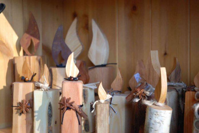 Holzkerzen (Foto: Haus der Nachhaltigkeit)
