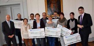 Feierstunde im Rathaus: Sieben soziale Einrichtungen aus der Region durften sich über eine Spende des Lions Clubs Landau in Höhe von je 1.000 Euro freuen. (Foto: Stadt Landau in der Pfalz)