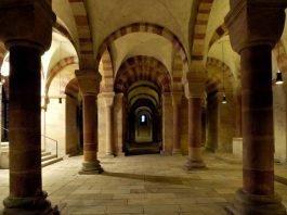 Die Krypta des Speyerer Doms (Foto: © GDKE – Landesmuseum Mainz, Ursula Rudischer)