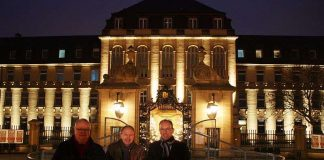 v.l.: Dr. Jörg Blattmann (Geschäftsführer Universitätsklinikum Mannheim), Erster Bürgermeister Christian Specht, Ralf Klöpfer (Vorstand MVV Energie AG) (Foto: UMM)