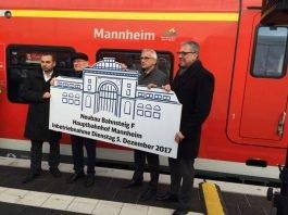 Inbetriebnahme des Bahnsteigs im Beisein von Winfried Hermann, Dr. Peter Kurz, Sven Hantel und Ahmet Pehlivan (Bahnhofsmanager Mannheim) (Foto: Deutsche Bahn AG)