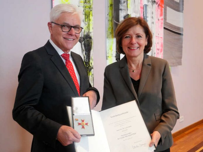 Landesverdienstorden an Detlef Zühlke