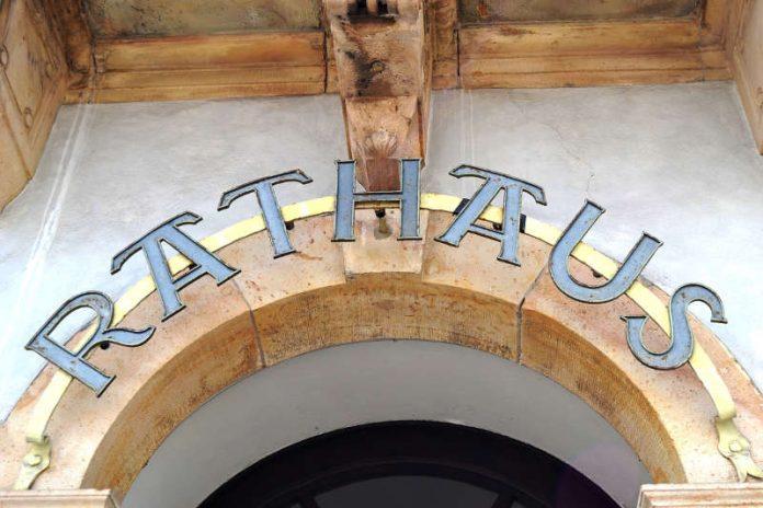 """Das Rathaus sowie andere Dienstgebäude der Stadtverwaltung Landau sind """"zwischen den Jahren"""" für Bürgerinnen und Bürger geöffnet. (Foto: Stadt Landau in der Pfalz)"""