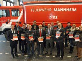 25 Mannheimer und 19 Ludwigshafener Unternehmen stellen sich in den jeweiligen Broschüren der beiden Städte vor (Foto: Stadt Mannheim)