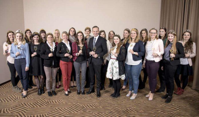 Die rheinland-pfälzischen Weinhoheiten und Minister Wissing (Foto: Wirtschaftsministerium RLP / Das Team / Olgay Oezkan)