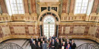 Gruppenbild mit den in diesem Jahr geehrten Helferinnen und Helfern und Minister Thomas Strobl (Foto: Steffen Schmid)
