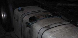 Aufgebrochener Tankbehälter