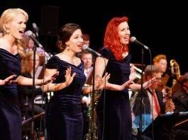 Die Rosevalley Sisters sangen weltbekannte Evergreens im dreistimmigen Vocalsatz (Foto: Holger Knecht)