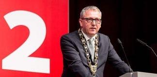 Oberbürgermeister Dr. Peter Kurz bei seiner Neujahrsrede auf dem Neujahrsempfang der Stadt Mannheim 2018 im Rosengarten (Quelle: Stadt Mannheim, Andreas Henn)