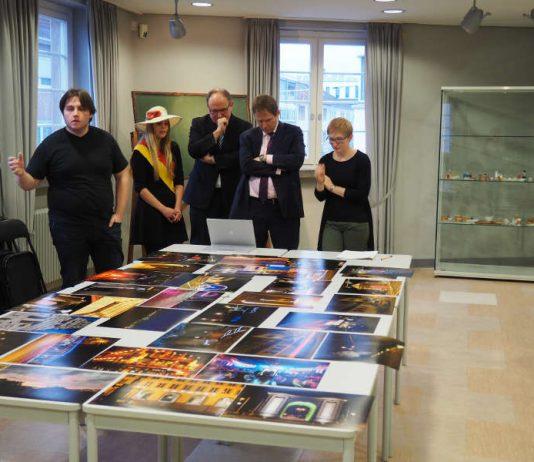 Die Jury bei der Auswahl der Gewinnerfotos. (Foto: Stadt Frankenthal)