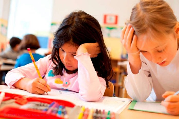 Hausaufgaben-Frust muss nicht sein. Wie Kindern das Lernen erleichtert werden kann, zeigt das Seminar im Kinderhaus BLAUER ELEFANT (Foto: Tessa Müller/DKSB)