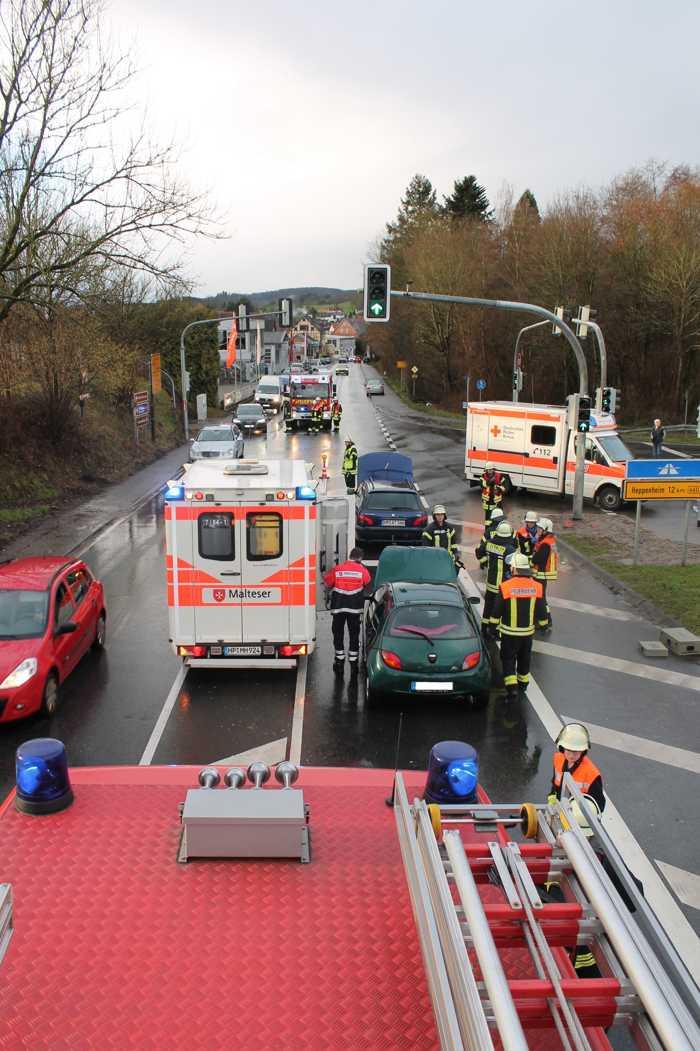 Feuerwehreinsatz auf der B38