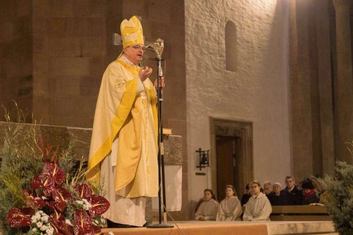 Bischof Karl-Heinz Wiesemann bei der Predigt. (Foto:Yvette Wagner)