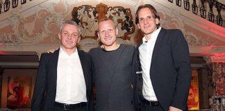 Freuten sich auf dem SVWW-Neujahrsempfang in der Henkell & Co. Sektkellerei über die Vertragsverlängerung (v. l.): Sportdirektor Christian Hock, Alf Mintzel und Trainer Rüdiger Rehm. (Foto: svww.de)