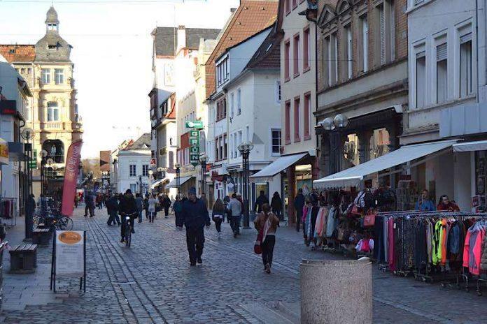 Landau ist heute ein attraktiver und lebendiger Einkaufsort. Um das auch in Zukunft sicherstellen zu können, prüft die Stadt regelmäßig die Entwicklung des örtlichen Einzelhandels und achtet auf mögliche Steuerungsbedarfe. (Foto: Stadt Landau in der Pfalz)