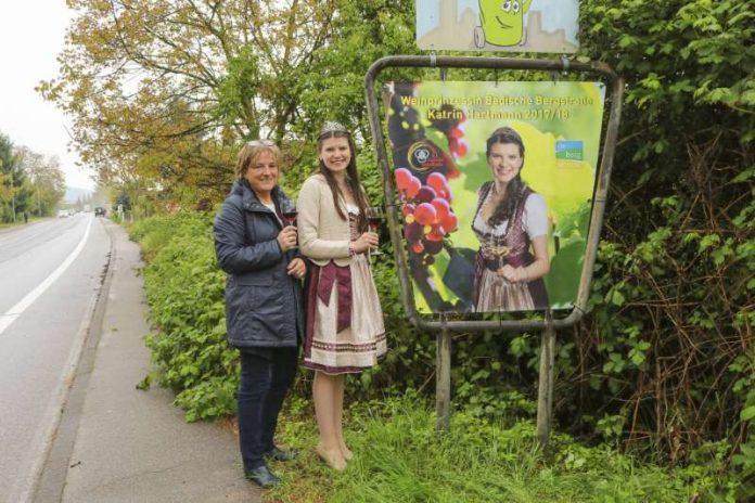 Katrin Hartmann mit Tourismusmanagerin Maria Zimmermann (Foto: Stadtverwaltung Weinheim)
