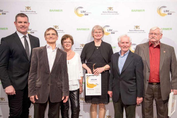 Gruppenbild der Preisträger (v.l.n.r.: Boris Obergföll, Siegbert & Maria Ruf, Christa Hinrichsen, Georg Thoma und Helmut Hünerfauth) Foto: Landessportverband Baden-Württemberg / Martin Stollberg.)