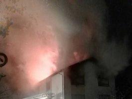 Lichterloh brannte heute Morgen ein Wohnhaus in Kindsbach. Eine Frau kam bei dem Feuer ums Leben.