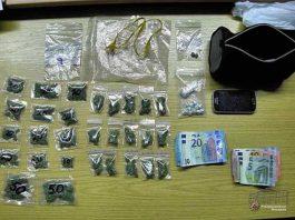 In der Wohnung wurden insgesamt zahlreiche Portionspackungen mit Marihuana sowie andere Betäubungsmittel gefunden und sichergestellt.