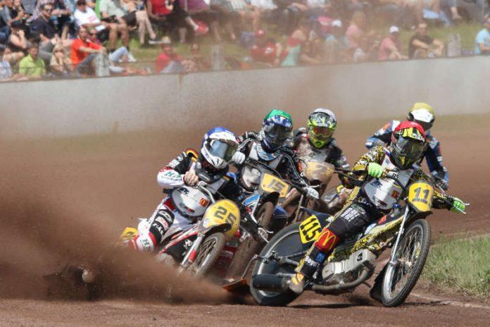Die Fahrer Pijper, Härtel, Dilger, Tressarieru und Tebbe (Foto: Daniel Sievers)