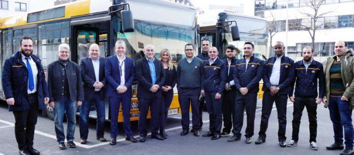 Geflüchtete zum Busfahrer qualifiziert