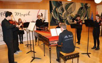 Mit barocken Klängen umrahmte ein Ensemble der Kreismusikschule den Jahresempfang. (Foto: Simone Stier)