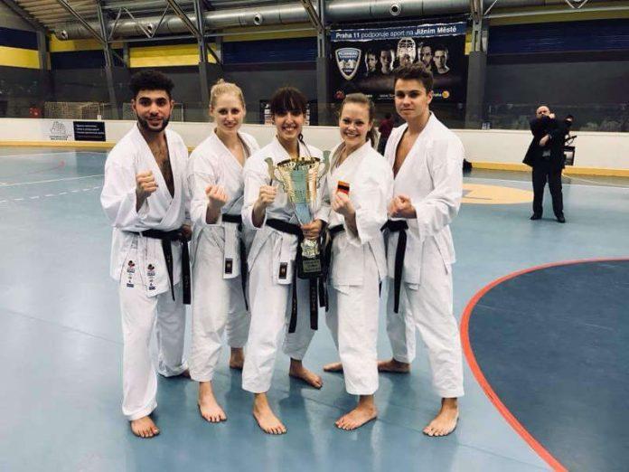 Ayman Ben Romdhane, Nadja Stuchlik, Sara Baradaran, Caroline Sieger und Steven Kaun (v.r.) (Foto: PSV/privat)