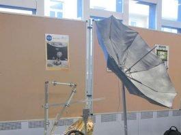 """Der """"Moon rovA2"""" überzeugte durch sein Design: Im Mitmachmuseum EXPERIMINTA stellt er auch seine Fahrtüchtigkeit unter Beweis. (Foto: Frankfurt UAS/Nadine Näther)"""