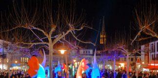 Weinkaufsnacht Leuchtkegel auf dem Stadtplatz (Foto: Foto: Stadt Bad Dürkheim)