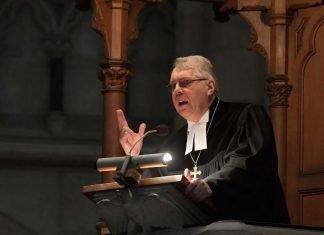 Predigt von Christian Schad (Foto: Landeskirche/Klaus Landry)