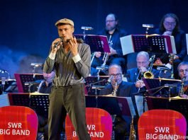 Max Mutzke und die SWR Big Band (Foto: Micha Brem)