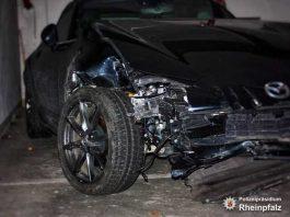 Schwerer Unfallschaden am Fahrzeug