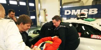 """Das Know-how für die Rettung von Teilnehmern aus Fahrzeugen wird bei den """"Inernational Medical Days"""" vermittelt. (Foto: Nürburgring)"""