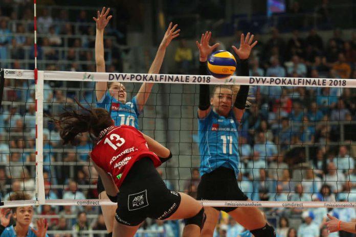 Gekämpft, aber Dresden war zu stark: Irina Kemmsies und Simona Kosova beim Block (Foto: Detlef Gottwald)