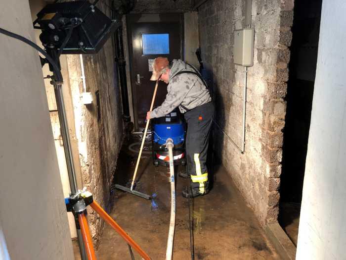 Wasseraustritt Händelstrasse 3 - Feuerwehreinsatz