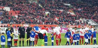 Begeisterte Kids auf Tuchfühlung mit den Fußballprofis vom 1. FC Kaiserslautern und St. Pauli (Foto: Integrative Gemeindekindertagesstätte Bobenheim-Roxheim)