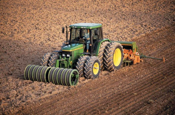 Traktor (Foto: John Deere GmbH & Co. KG)