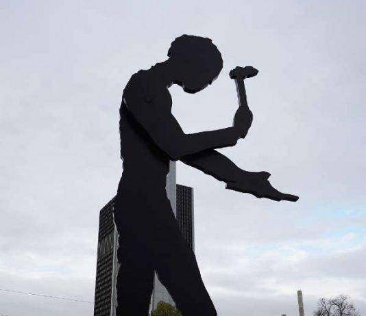 Hammering Man (Foto: Holger Knecht)