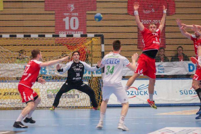 Foto aus der Begegnung gegen den SC Magdeburg (Foto: Harry Reis)