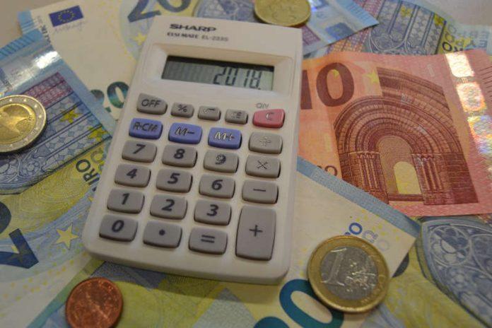 Umfangreiches Zahlenwerk: Die Aufsichts- und Dienstleistungsdirektion in Trier hat den Haushalt 2018 der Stadt Landau genehmigt. (Foto: Stadt Landau in der Pfalz)