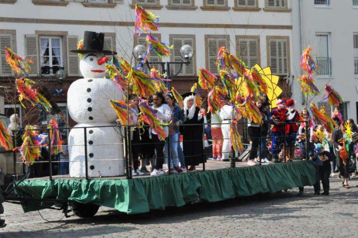 Ri, ra, ro, de Summerdach isch do! Auch in der Landauer Innenstadt und den Stadtdörfern Mörlheim und Godramstein finden in Kürze traditionelle Lätare-Umzüge zur Verabschiedung des Winters statt. (Foto: Stadt Landau in der Pfalz)