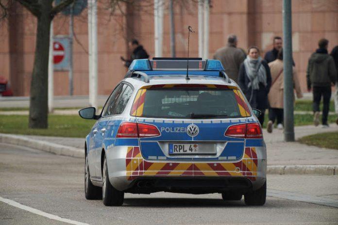 Symbolbild, Polizei, RLP, Polizeiwagen © Holger Knecht