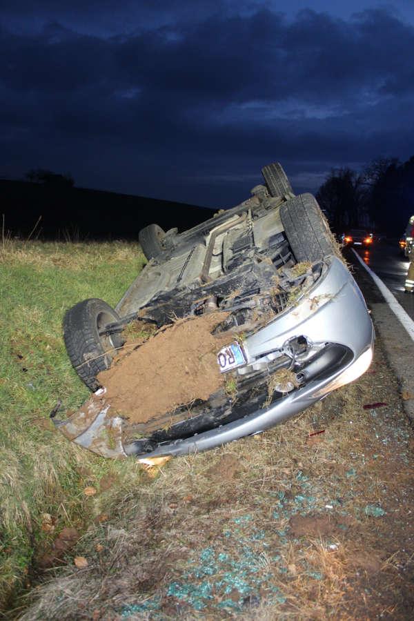 Das Auto überschlug sich (Foto: Polizei RLP)