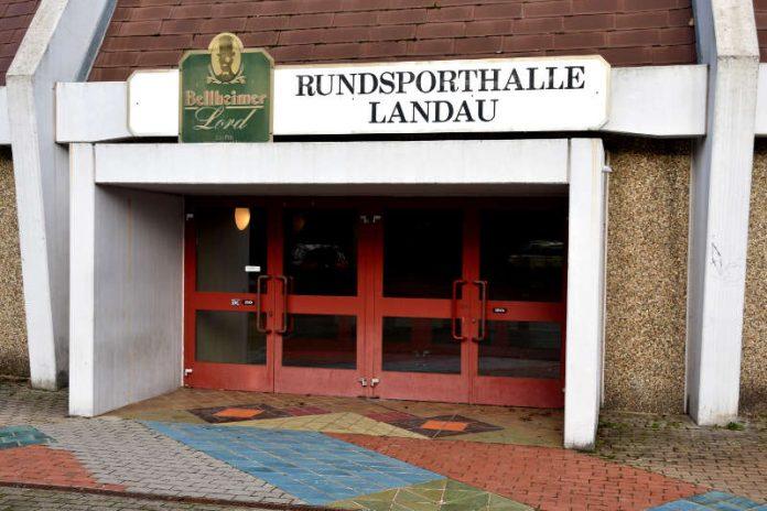 Die marode Landauer Rundsporthalle wird ab Montag, 5. März, abgerissen. (Foto: Stadt Landau in der Pfalz)