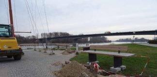 Neue Sitzbänke am Flaggenmast (Foto: Stadt Speyer)